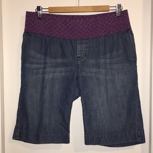 GAP maternity denim pocket shorts sz 8